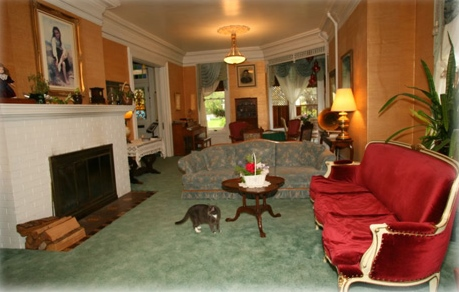 Benjamin Young Inn: Astoria Hotels: http://www.pacific-coast-highway-travel.com/Astoria-Hotels.html