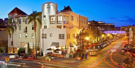 La Pensione Hotel in San Diego, from https://www.pacific-coast-highway-travel.com/Where-to-Stay-in-San-Diego.html