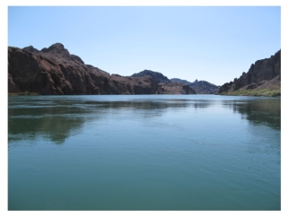 The Colorado River near Pirate Cove Resort and Marina in Needles, California, on https://www.pacific-coast-highway-travel.com/Needles-Hotel-Resort.html