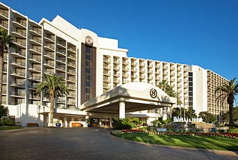 Sheraton San Diego Hotel and Marina in San Diego, from http://www.pacific-coast-highway-travel.com/Where-to-Stay-in-San-Diego.html
