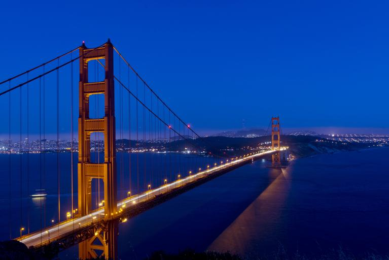 The Golden Gate Bridge in San Francisco by night
