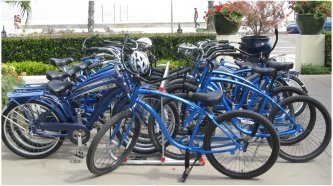 Santa Barbara Beachfront Hotel: the Oceana, has bikes for guests to use