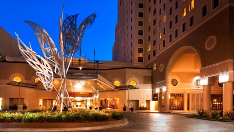 Westin San Diego Gaslamp Quarter Hotel in San Diego, from https://www.pacific-coast-highway-travel.com/Where-to-Stay-in-San-Diego.html