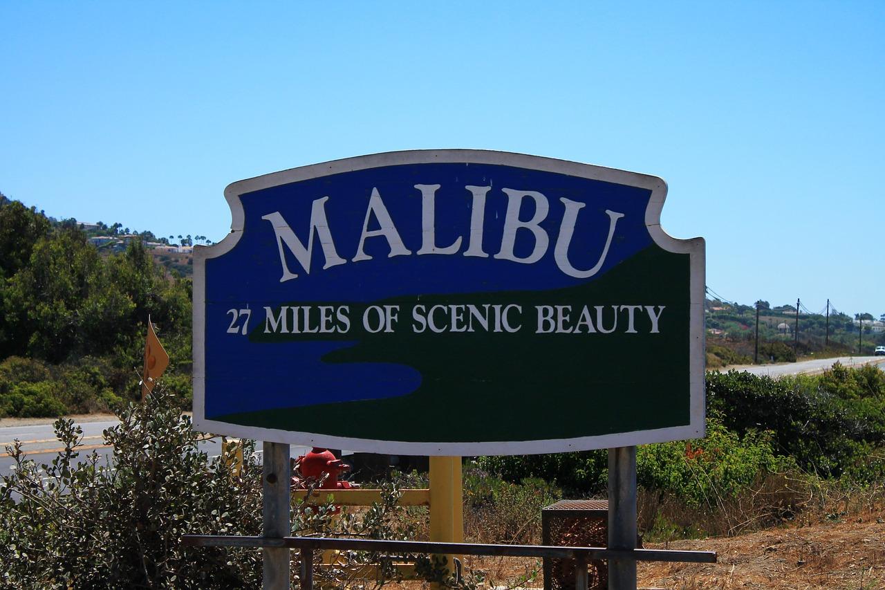 Malibu miles of scenic beauty sign